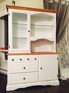 White dresser cabinet buffet not IKEA West Island Greater Montréal image 1
