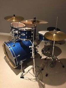 Pearl Export Drum Set - like new!! Kitchener / Waterloo Kitchener Area image 2