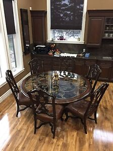 Dining table and chairs  Edmonton Edmonton Area image 2