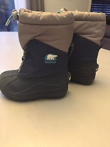 Sorel toddler winter boots - size 9