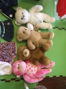 4 build bears 12$ each perfect condition