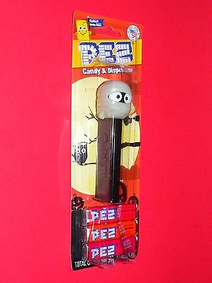 Pez MUMMY  on Halloween card   COLLECT LOGO