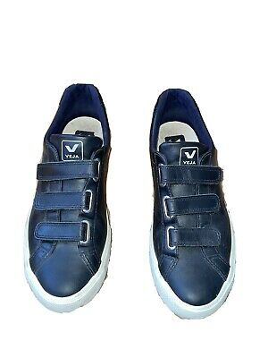 VEJA 3-Lock Esplar Leather All Black Sneaker (EU 41)