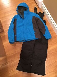 Boys lands end snow suit size 10/12.