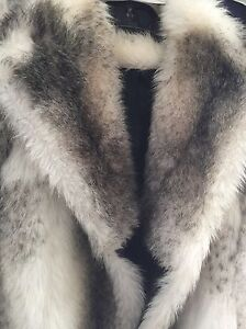 Woman's faux fur winter coat Oakville / Halton Region Toronto (GTA) image 2