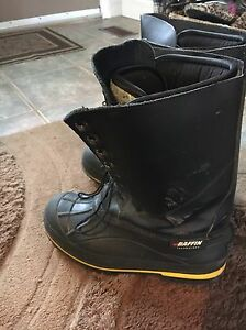 BRAND NEW BAFFIN SIZE 10 MENS WINTER CONSTRUCTION BOOTS