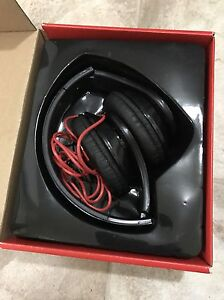 beats by dre headphones and bluedio headphones  West Island Greater Montréal image 1