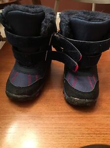 Infant size 6 snow boots London Ontario image 1