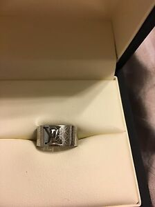 Louis Vuitton rings  REDUCED  Prince George British Columbia image 3