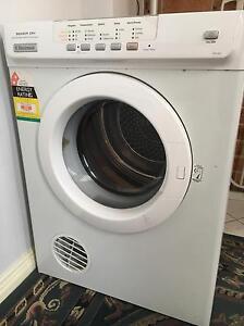 Electrolux Dryer  5kg EDV505 Bexley Rockdale Area Preview