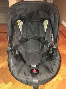 Britax Infant Car Seat with 2 Bases for vehicles