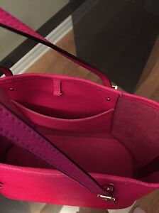 MICHAEL KORS Fuchsia JET SET TRAVEL SAFFIANO SMALL West Island Greater Montréal image 5