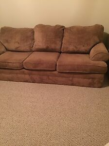 !WORLDS MOST RELIABLE COUCH!