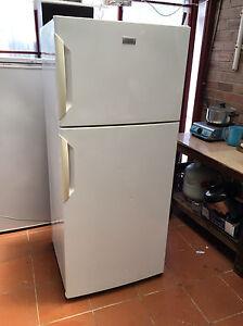 Electrolux 420 L frost free fridge freezer Bexley Rockdale Area Preview