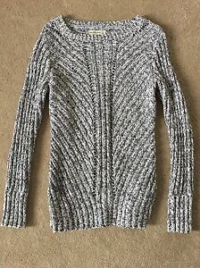 ABERCROMBIE & FITCH CHUNKY KNIT PULLOVER -LIKE NEW!