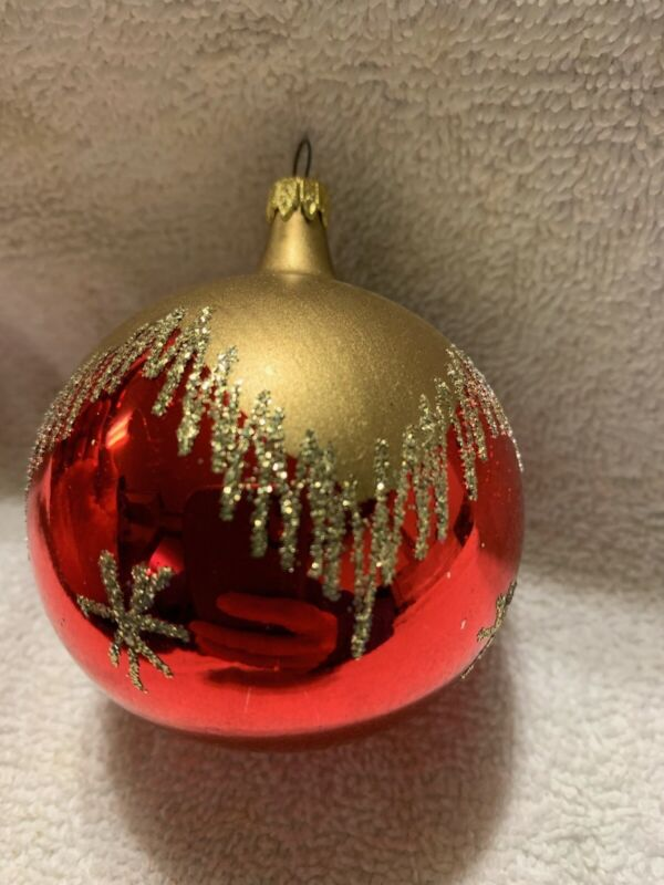 """Blown Glass Snow Capped Glass Christmas Tree Ornament W/ Snowflakes 2.75"""""""