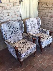 Free lounge chairs Mullaloo Joondalup Area Preview