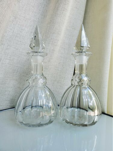 A Pair of English Late Victorian Antique Cut Crystal Glass Decanters w/ Stoppers