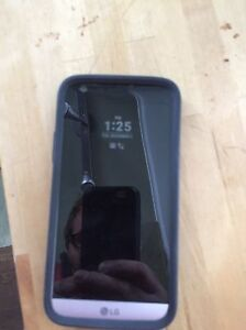 New month old LG G3 mint $200
