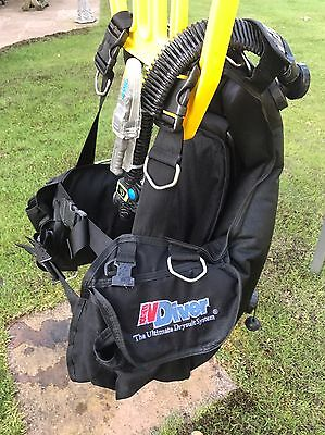 Northern Diver Guardian BCD with air horn - Size M