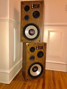 Pyramid stereo speakers 450W (total)