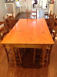 Antique Pine Farmhouse Table and 5 chairs