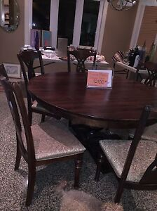Dining  Table w/6 chairs Brand New Solid Wood