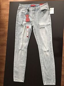 NWT GUESS jeans size 30
