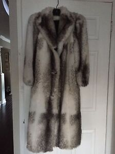 Woman's faux fur winter coat Oakville / Halton Region Toronto (GTA) image 1