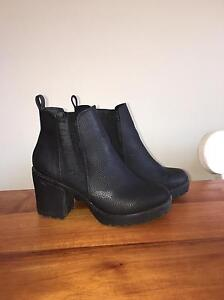 Heeled boots for sale! Merrimac Gold Coast City Preview