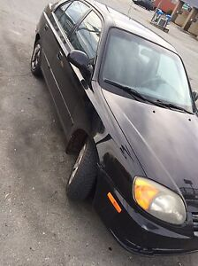 2005 Hyundai Accent! LOW KMS !
