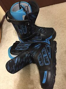 Size ten men's thirtytwo snowboard boots