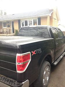 Leer tonneau cover Ford F-150  London Ontario image 1