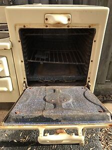 ANTIQUE STOVE FOR SALE Gatineau Ottawa / Gatineau Area image 3