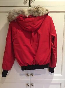 Canada Goose Bomber red small  West Island Greater Montréal image 3