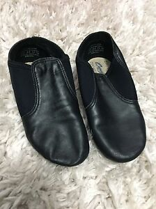 Capezio Jazz Shoes Size 1W