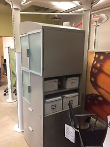 OFFICE FURNITURE CLEAROUT London Ontario image 1