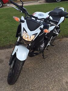 2015 Honda CB300F With ABS Brakes - Great starter bike!!