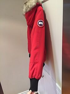 Canada Goose Bomber red small  West Island Greater Montréal image 2