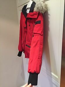 Canada Goose Bomber red small  West Island Greater Montréal image 4