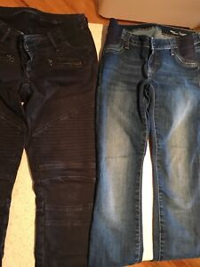 Maternity pants, jeans and t-shirts. Size small and XS.