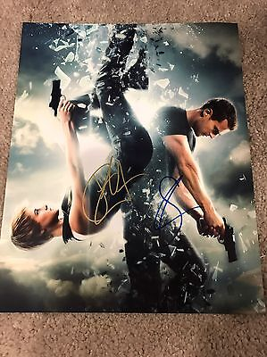 Shailene Woodley   Theo James Signed Autographed 8X10 Photo Divergent Insurgent