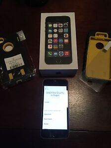 iPhone 5s 16GB with box.   Amazing condition.