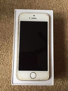 IPhone 5s 32gb used with great condition and 6 nice cases Oakville / Halton Region Toronto (GTA) image 1