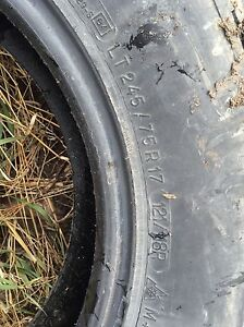 Bf Goodrich all-terrain ko 245/45r17 (with snow flake) West Island Greater Montréal image 4