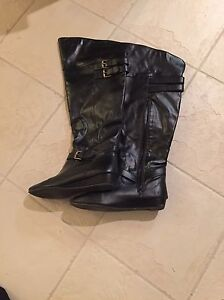 Ladies knee boots size 9 and 9.5