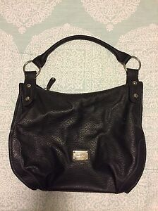 Nine West shoulder purse/bag in great shape.