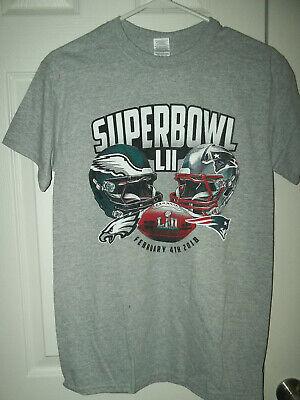 Super Bowl LII Philadelphia Eagles VS New England Patriots T-Shirt Size Small