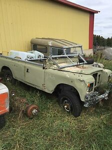Land Rover Series 2a.