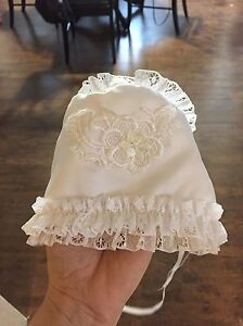 Christening gown size 6 month (16 lbs) Cornwall Ontario image 4